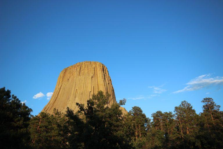 La Torre del Diavolo, all'interno dell'omonimo parco è uno dei paesaggi più caratteristici delle Montagne Rocciose